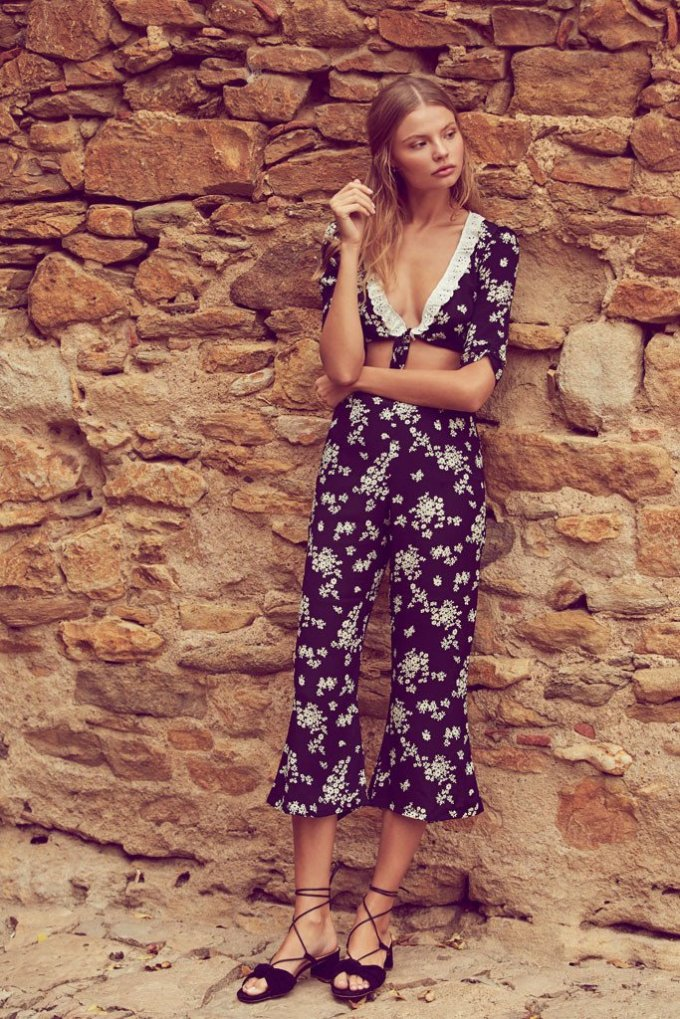 This floral designer inspired outfit is great for summer vacation!